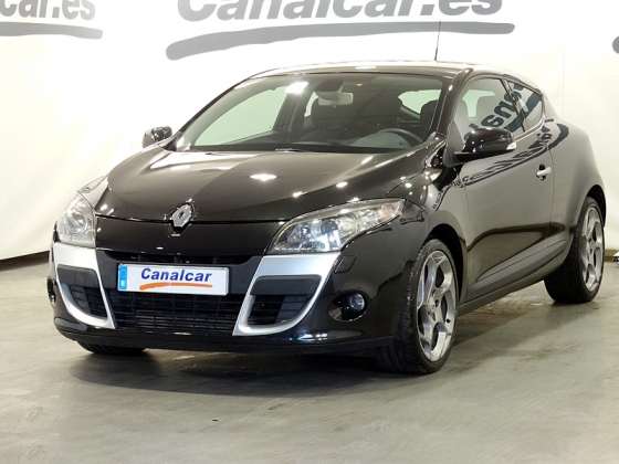 renault megane coupe tce 130 dynamique 130cv de segunda mano en madrid 4376. Black Bedroom Furniture Sets. Home Design Ideas