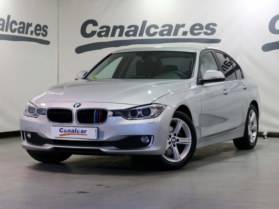 BMW 320 d Essential Edition 184CV